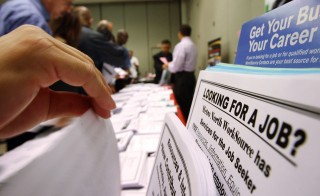 The Department of Labor said the number of applications for unemployment claims rose by 4,000 for the week ending August 30. Photo by David McNew/Getty Images.