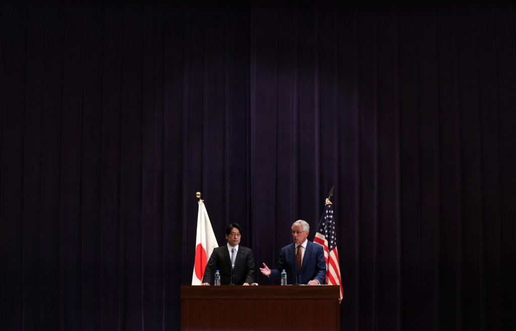 U.S. Secretary of Defense Chuck Hagel (R) and Japanese Defense Minister Itsunori Onodera participate in a joint news conference at the Japanese Minister of Defense headquarters April 6, 2014 in Tokyo, Japan.