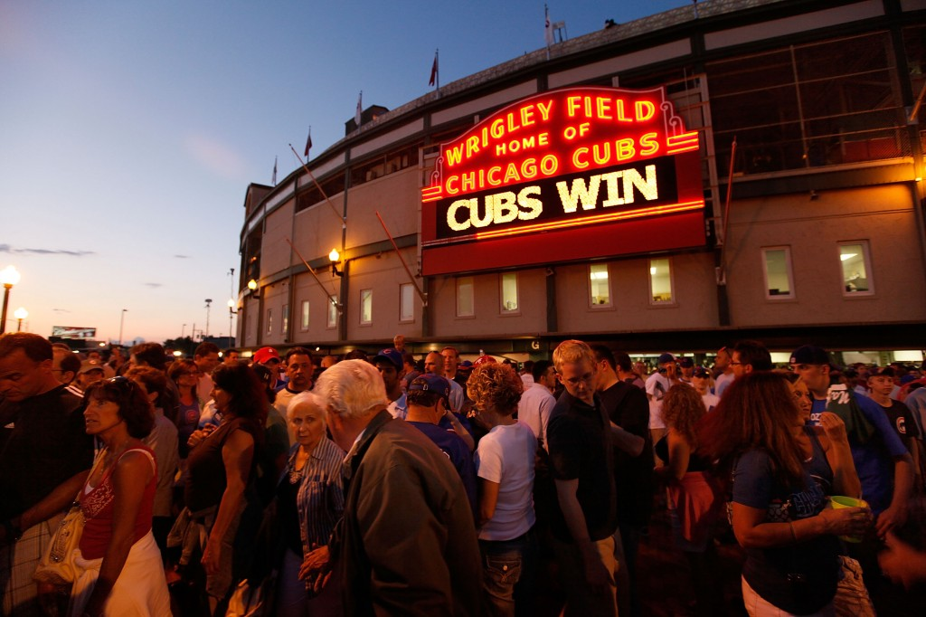 Cubs fans leave Wrigley Filed after the Chicago Cubs defeated the Atlanta Braves 4-2, July 6, 2009. Photo by Scott Olson/Getty Images)