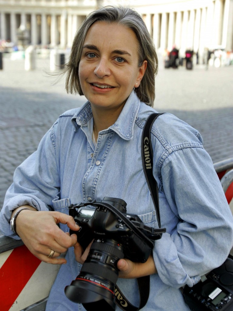 AP photographer Anja Niedringhaus in Rome on Thursday,  April 7, 2005. Photo by Peter Dejong/AP