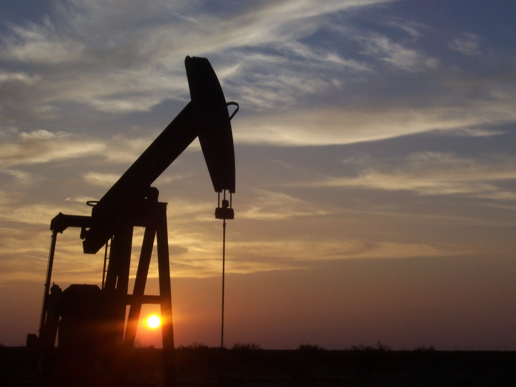 According to a congressional report obtained by The Associated Press, the U.S. government has failed to inspect thousands of oil and gas wells it considers potentially high risks for water contamination and other environmental damage. Photo by Wikimedia Commons user Eric Kounce/TexasRaiser