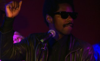 Curtis Harding performs 'Keep On Shining'