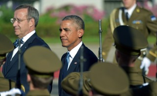 Estonia's President Toomas Hendrik Ilves (L) and US President Barack Obama (2nd L) inspect a military honor guard prior to meetings at the Kadriorg Palace in Tallinn, Estonia, September 3, 2014. Photo by Ilmars Znotins/AFP/Getty Images