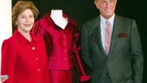 Designer Oscar de la Renta with former first lady Laura Bush. REUTERS/Jeff Christensen.