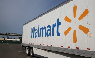 Walmart is raising its minimum starting wage to $9 an hour. Photo by Justin Sullivan/Getty Images