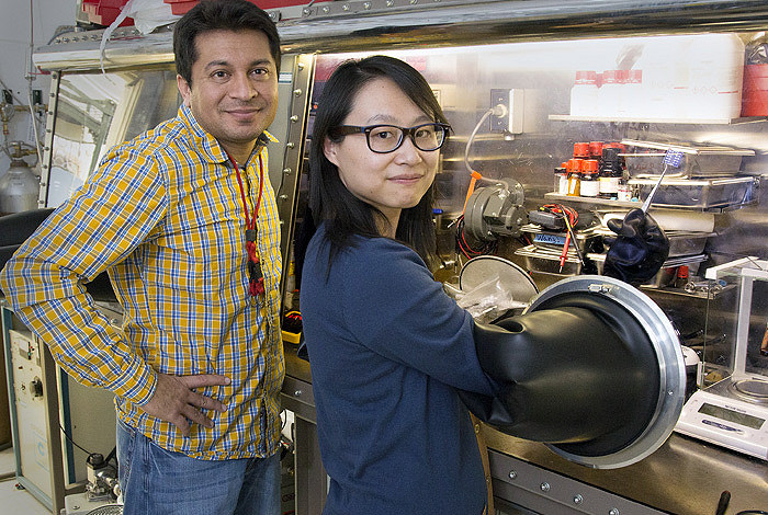 Scientists Aditya Mohite (l) and Wanyi Nie of Los Alamos National Laboratory published a report on a new technique for solar cell production Jan. 30. Photo by Los Alamos National Laboratory.