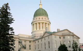 Maine capitol building Photo by Flickr user Mukund Lakshman