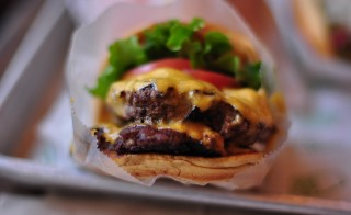 Shake Shake's double cheeseburger. Photo by Flickr user Lucas Richarz.