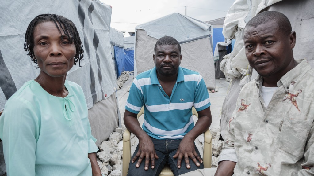 photo essay s earthquake victims wonder where the  tens of thousands of earthquake survivors remain in tent camps like camp immaculee located in