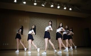 Members of South Korean girl group GFriend rehearse in Seoul. Photo by Kim Hong-Ji/Reuters