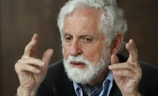 Vienna born U.S. chemist, novelist and playwright Carl Djerassi, known for the development of the first oral contraceptive pill, talks during a news conference in Vienna November 11, 2008. He died at age 91 on Friday, Jan. 30. Photo by Heinz-Peter Bader/REUTERS.