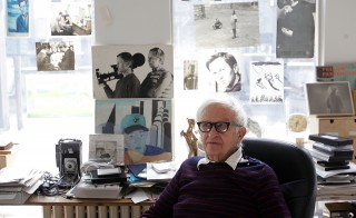 Albert Maysles works in his office in New York March 6, 2006. Mayles died Thursday night at the age of 88. Photo by REUTERS/Seth Wenig