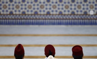 Guests attend the official inauguration of Strasbourg Grand Mosque in Strasbourg, September 27, 2012. REUTERS/Vincent Kessler (FRANCE  - Tags: POLITICS RELIGION) - RTR38H9L