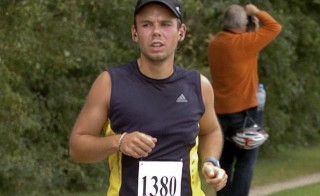 Andreas Lubitz runs the Airportrace half marathon in Hamburg in this September 13, 2009 file photo.  The co-pilot, who appears to have deliberately crashed Germanwings plane into the French Alps, may have practiced different descent settings on a previous flights, French prosecutors said Wednesday. Photo courtesy of Reuters