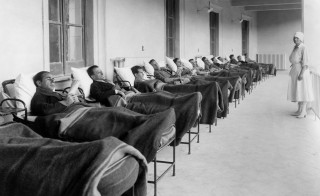 A sanatorium for tuberculosis patients in Aspromonte, Italy, circa 1920. Photo by TCI/EyeOn/UIG via Getty Images