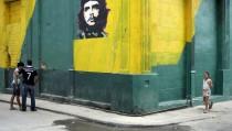 "An image of revolutionary hero Ernesto ""Che"" Guevara is seen on a street in Havana"