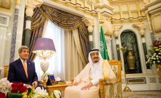 Kerry meets Salman in Riyadh