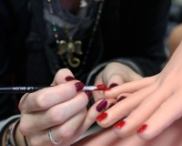 UGLY SIDE OF NICE NAILS_Monitor