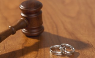 Larry Kotlikoff explains how divorce laws differ state by state and argues for a  national divorce law. Photo by Getty Images