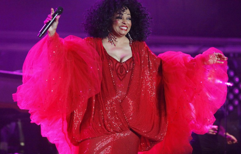U.S. singer Diana Ross performs on the final day of the  21st Annual St. Lucia Jazz festival at Pigeon Island National Landmark, May 13, 2012. REUTERS/Andrea De Silva (ST. LUCIA - Tags: ENTERTAINMENT) - RTR321DN