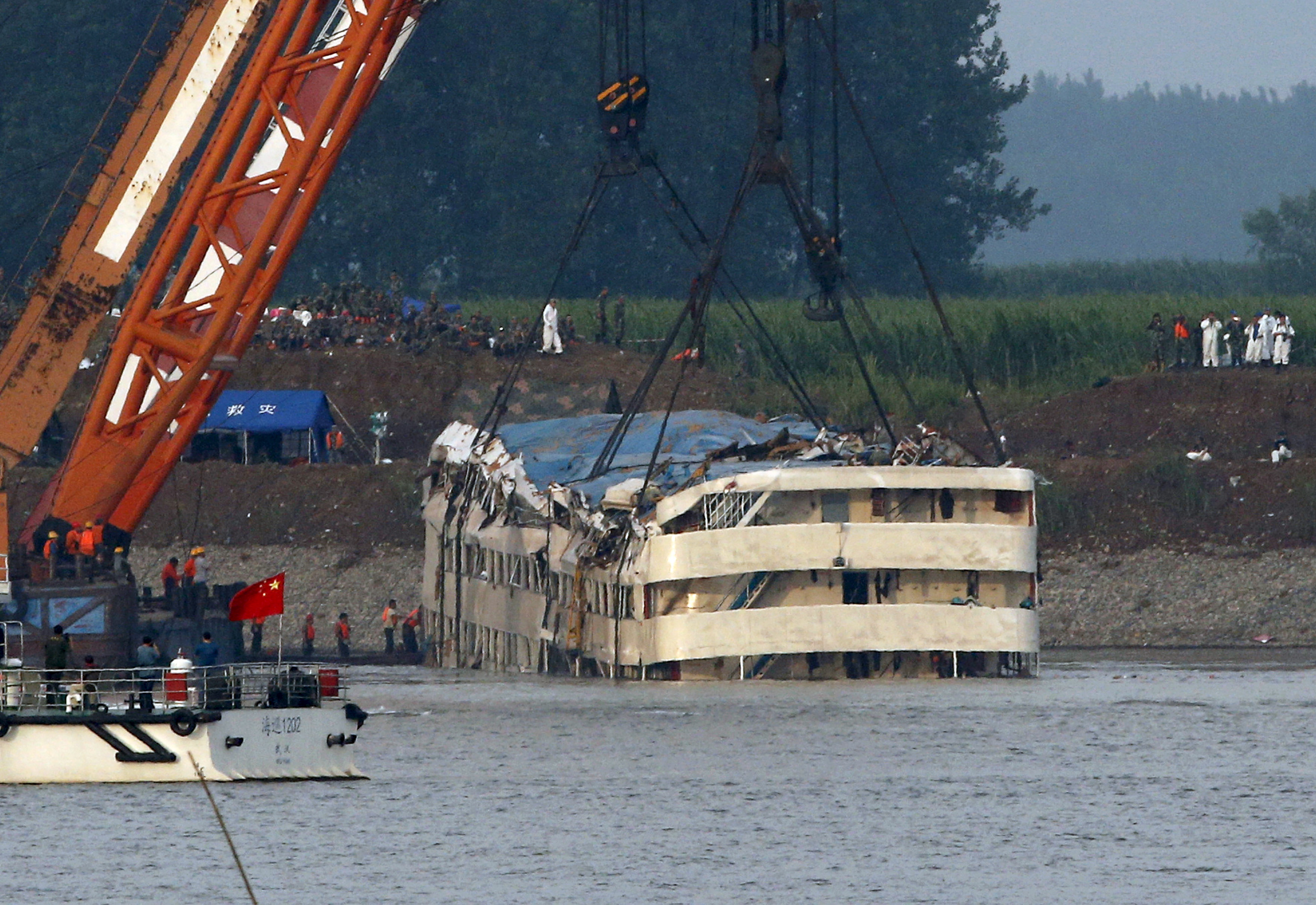 Photos Death Toll From Chinese Cruise Ship Disaster Jumps To - Chinese cruise ship