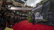 """Cast member Bryce Dallas Howard poses at the premiere of """"Jurassic World"""" in Hollywood, California, June 9, 2015. The movie opens in the U.S. on June 12.  REUTERS/Mario Anzuoni - RTX1FVIX"""