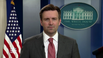 Josh Earnest with Judy Woodruff on 2015-06-11
