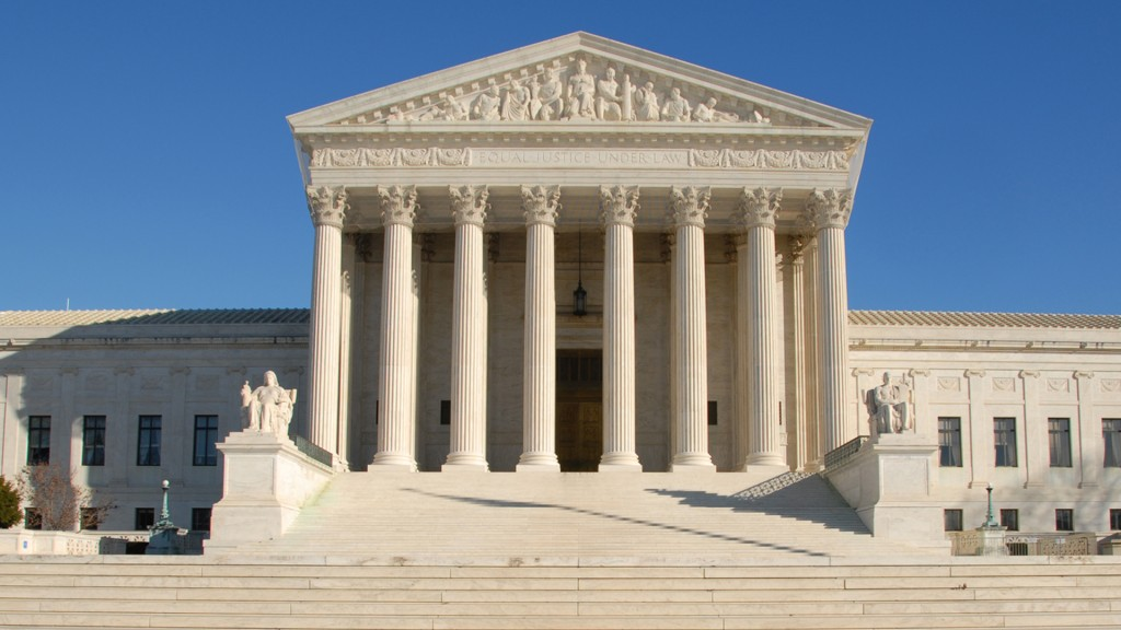 The Supreme Court can keep protestors off its marble plaza, a federal appeals court ruled Friday.