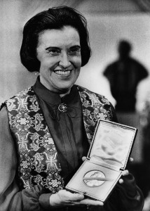 Rosalyn S. Yalow, pictured at the Nobel Prize banquet in Stockholm, won the Nobel Prize for medicine in 1977. Photo by Keystone/Getty Images