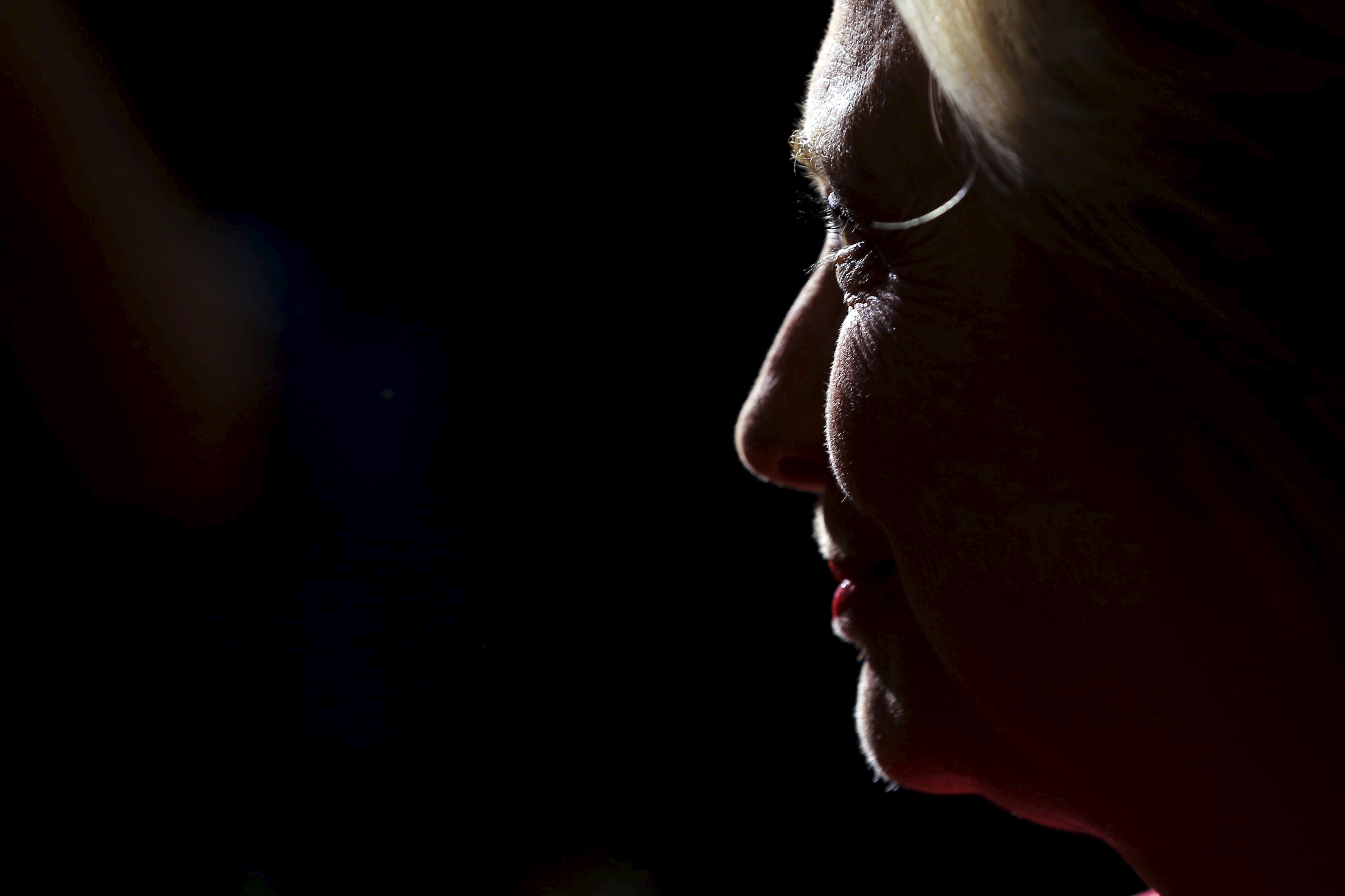 Democratic presidential candidate Hillary Clinton greets audience members at a campaign launch party in Concord, New Hampshire, June 15, 2015.  Campaigning in Iowa, Clinton has focused criticism on the Republican contenders, rather than on fellow Democratic rivals. Photo by Brian Snyder/Reuters