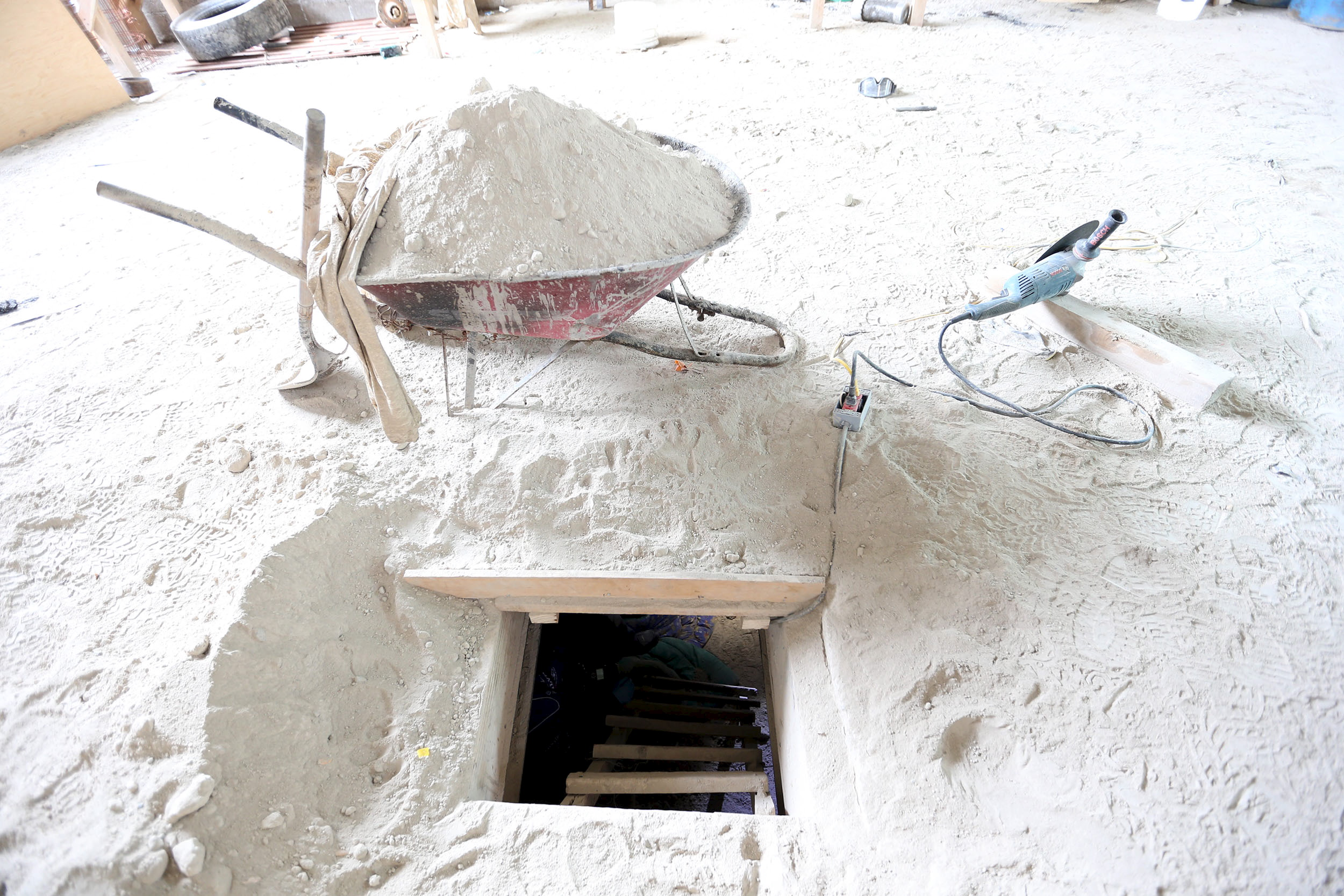 The entrance of a tunnel connected to the Altiplano Federal Penitentiary and used by drug lord Joaquin 'El Chapo' Guzman to escape, is seen in Almoloya de Juarez, on the outskirts of Mexico City, July 12, 2015. REUTERS/PGR - Attorney General's Office/Handout via Reuters ATTENTION EDITORS - FOR EDITORIAL USE ONLY. NOT FOR SALE FOR MARKETING OR ADVERTISING CAMPAIGNS. THIS PICTURE IS DISTRIBUTED EXACTLY AS RECEIVED BY REUTERS, AS A SERVICE TO CLIENTS. - RTX1K4M8