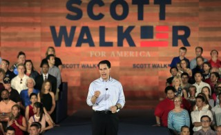 U.S. Republican presidential candidate and Wisconsin Governor Scott Walker formally announces his campaign for the 2016 Republican presidential nomination during a kickoff rally in Waukesha, Wisconsin, July 13, 2015. Photo by Darren Hauck/Reuters