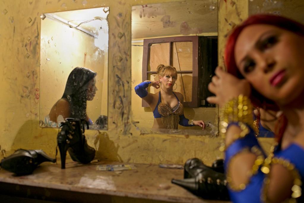 Transvestite clubs in iowa