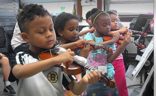 BLANK       STRIKING A CHORD monitor Horizontal PROJECT STEP CHILDREN PLAYING VIOLINS