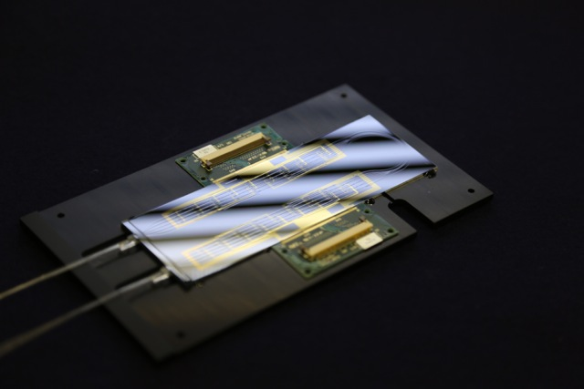 Silicon oxide based quantum optics lab-on-a-chip. Photo by University of Bristol