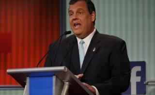 Republican 2016 U.S. presidential candidate New Jersey Governor Chris Christie responds to a question during the first official Republican presidential candidates debate of the 2016 U.S. presidential campaign in Cleveland, Ohio, August 6, 2015. REUTERS/Brian Snyder - RTX1NEG4