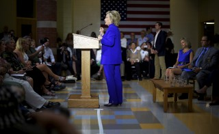 U.S. Democratic presidential candidate Hillary Clinton speaks during a community forum about substance abuse in Keene, New Hampshire August 11, 2015.   REUTERS/Brian Snyder - RTX1NYN0