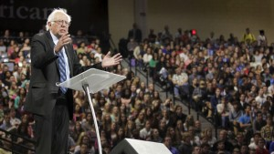 U.S. Democratic presidential candidate Sen. Bernie Sanders (I-VT) delivers an address to Liberty University students at the school in Lynchburg, Virginia September 14, 2015. REUTERS/Jay Paul - RTS12UB