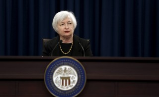 Federal Reserve Chair Janet Yellen holds a news conference following the Federal Open Market Committee meeting in Washington September 17, 2015.  REUTERS/Jonathan Ernst - RTS1M8H
