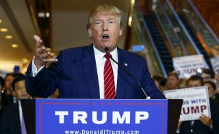 U.S. presidential hopeful Donald Trump speaks during a press availability at Trump Tower in Manhattan, New York September 3, 2015. Trump  on Thursday signed a pledge not to run as an independent candidate if he loses the Republican Party nomination, a party official said, despite earlier refusals to rule out a third-party bid.  REUTERS/Lucas Jackson