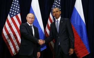 U.S. President Barack Obama (R) meets with Russian President Vladimir Putin during the 70th session of the United Nations General Assembly at the U.N. Headquarters in New York, September 28, 2015.    REUTERS/Kevin Lamarque  - RTX1SY8V