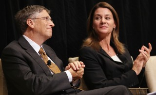 WASHINGTON - OCTOBER 15:  Microsoft Corporation Chairman Bill Gates (L) and his wife Melinda attend a ceremony presenting them with the 2010 J. William Fulbright Prize for International Understanding at the Library of Congress October 15, 2010 in Washington, DC. The Fulbright Prize recognized the Gates' philanthropic work through the Bill and Melinda Gates Foundation and their work and charitable contributions in improving the health and education opportunities of people around the globe.   (Photo by Win McNamee/Getty Images)