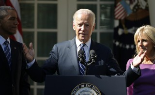 U.S. Vice President Joe Biden announces he will not seek the 2016 Democratic presidential nomination with President Barack Obama and his wife Jill at his side during an appearance in Rose Garden of the White House in Washington October 21, 2015. REUTERS/Carlos Barria  - RTS5HXA