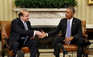 U.S. President Barack Obama meets Pakistan's Prime Minister Nawaz Sharif in the Oval Office of the White House in Washington, D.C., on Oct. 22. Photo by Kevin Lamarque/Reuters