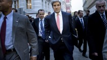 U.S. Secretary of State John Kerry walks to the Hotel Bristol for a meeting with the Iranian Foreign Minister Javad Zarif in Vienna, Austria October 29, 2015.  REUTERS/Brendan Smialowski/Pool     TPX IMAGES OF THE DAY      - RTX1U17X
