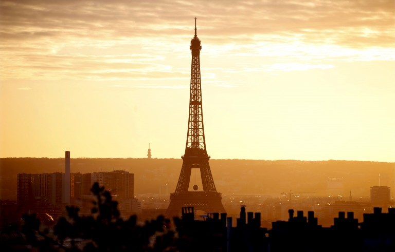 The Eiffel Tower is seen at sunset in Paris, France, November 22, 2015. The capital will host the World Climate Change Conference 2015 (COP21) from November 30 to December 11. REUTERS/Charles Platiau      TPX IMAGES OF THE DAY      - RTX1VAVB