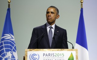 U.S. President Barack Obama participates in the COP21 session of statements by heads of state and government at the climate summit in Paris, France November 30, 2015. REUTERS/Kevin Lamarque  - RTX1WHIG