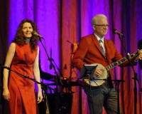 DETROIT, MI - JUNE 05: Edie Brickell (L) and Steve Martin perform with the Steep Canyon Rangers at The Soundboard, Motor City Casino on June 5, 2014 in Detroit, Michigan. (Photo by Paul Warner/WireImage)