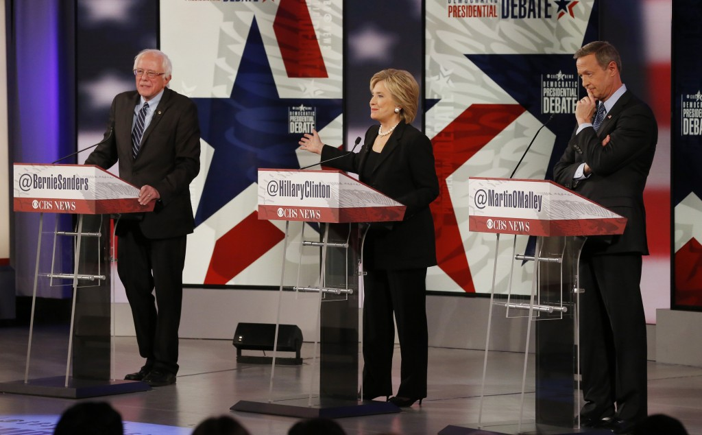 Democratic U.S. presidential candidates Senator Bernie Sanders, former Secretary of State Hillary Clinton and former Maryland Governor Martin O'Malley participate in the second official 2016 U.S. Democratic presidential candidates debate in Des Moines, Iowa. Photo By Jim Young/Reuters