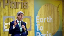 "U.S. Secretary of State John Kerry speaks at the Mashable/UN Foundation ""Earth to Paris"" Summit during the COP 21 United Nations conference on climate change at Le Petit Palais in Paris, December 7, 2015. REUTERS/Mandel Ngan/Pool - RTX1XL9C"